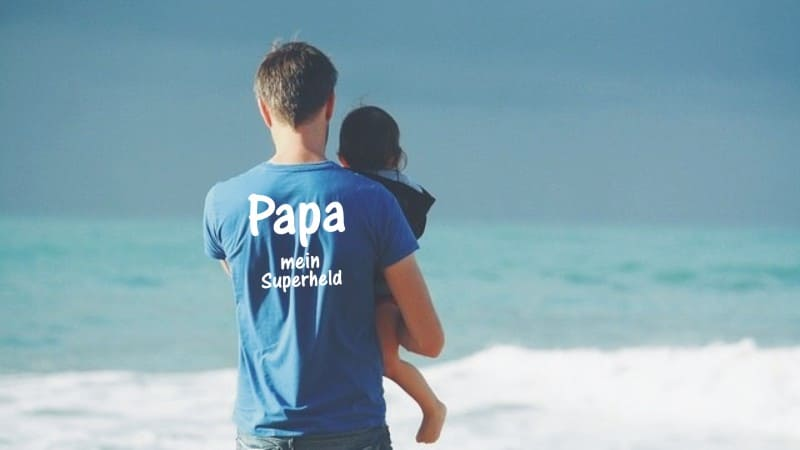 Ein Vater hält sein Kind